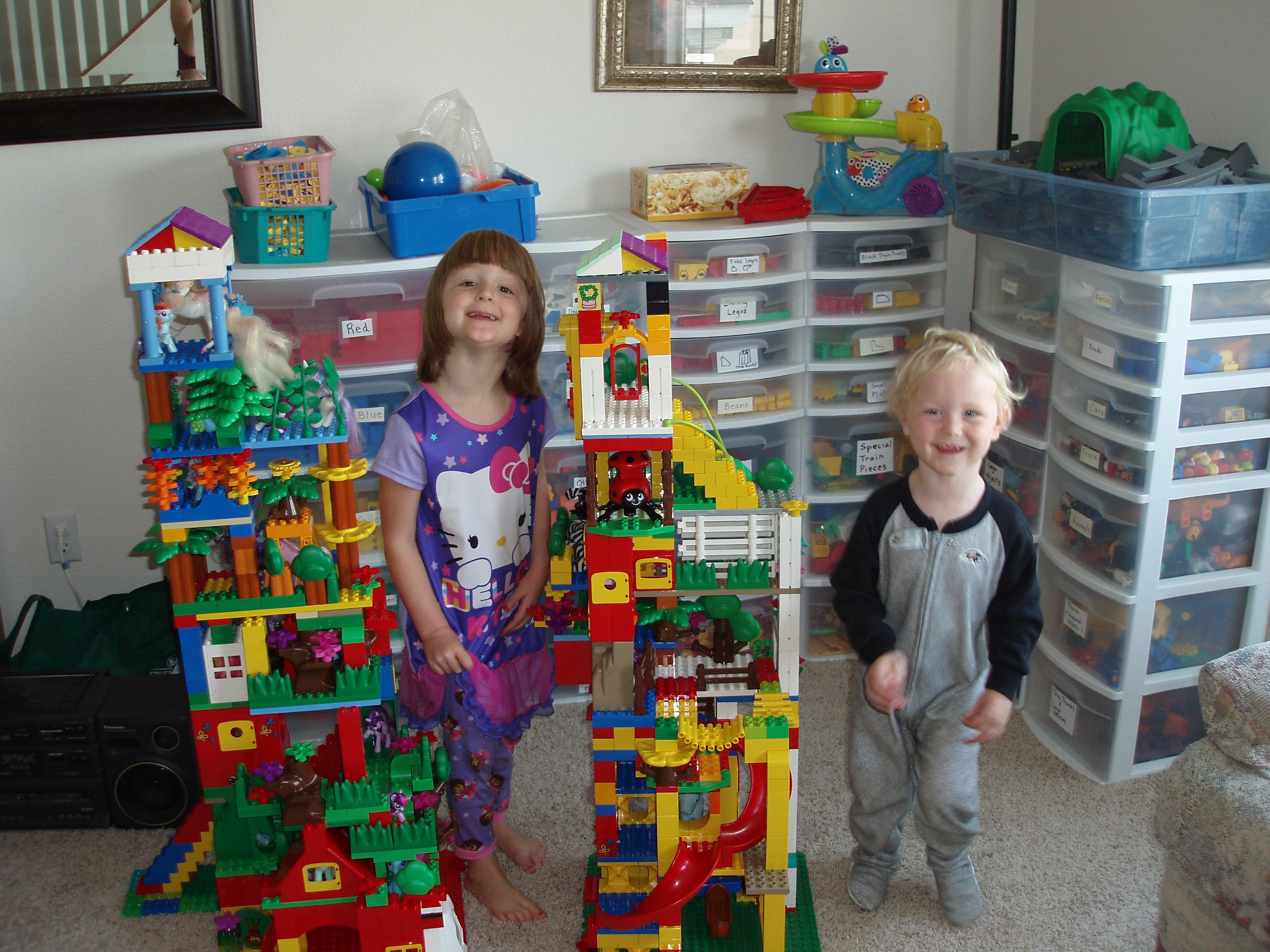 turnuri din lego